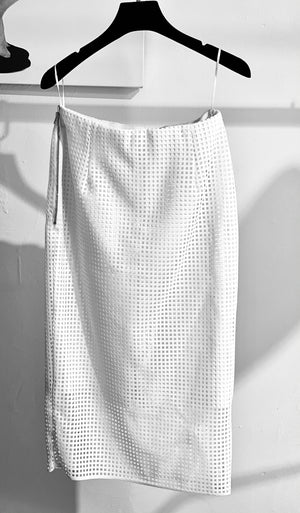 ARCHIVE SAMPLE - Square Laser Cut Stretch pencil skirt - White - 1 x SIZE 8-10