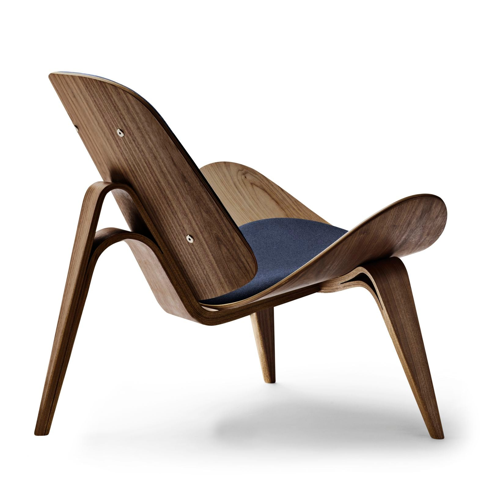 CARL HANSEN & SØN | CH07 | Shell Chair | Designed 1963 | Hans J. Wegner | Available within 6-9 weeks
