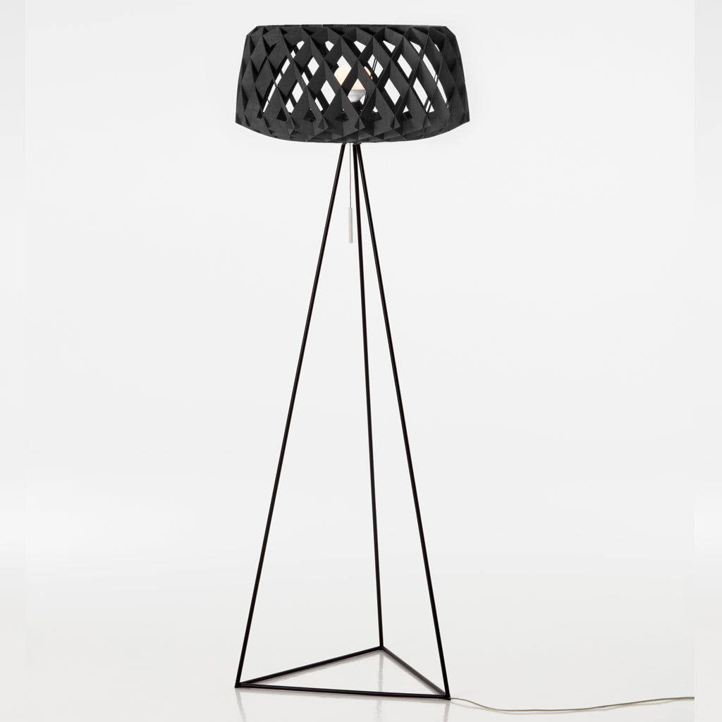 SHOWROOM FINLAND | Pilke 60 Tripod | Floor lamp | Black | Made for you - Available in 3 weeks