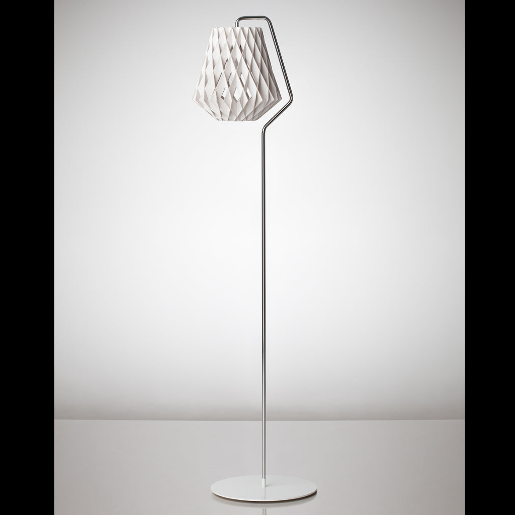 SHOWROOM FINLAND | Pilke 28 | Floor lamp | White | Made for you - Available in 3 weeks