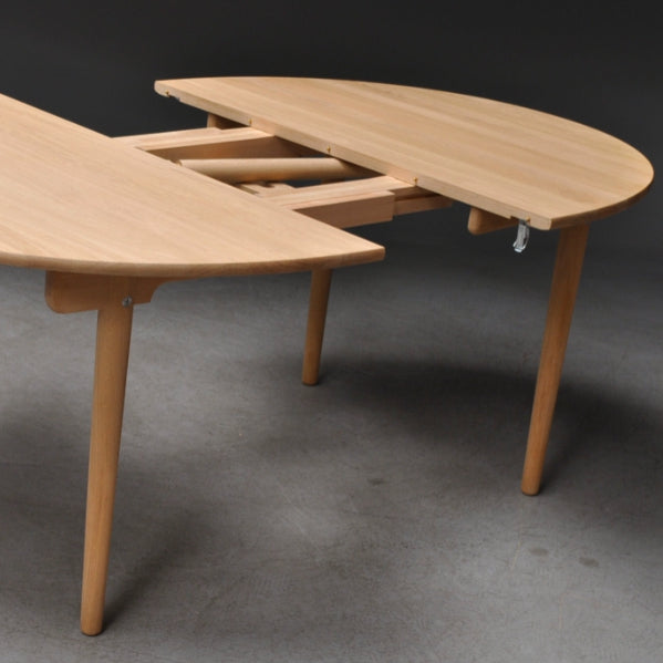 **SALE** Leaf for CARL HANSEN & SØN | CH337 Dining Table | Hans J. Wegner. Available in 4 to 8 weeks*