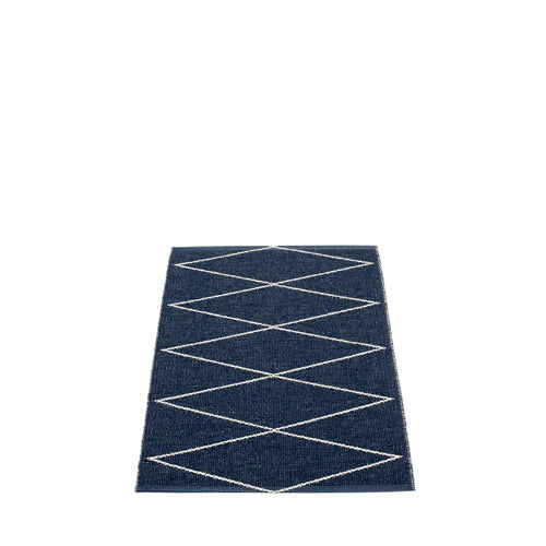 PAPPELINA | Plastic Rug | Max | Dark Blue/Vanilla | 6 sizes