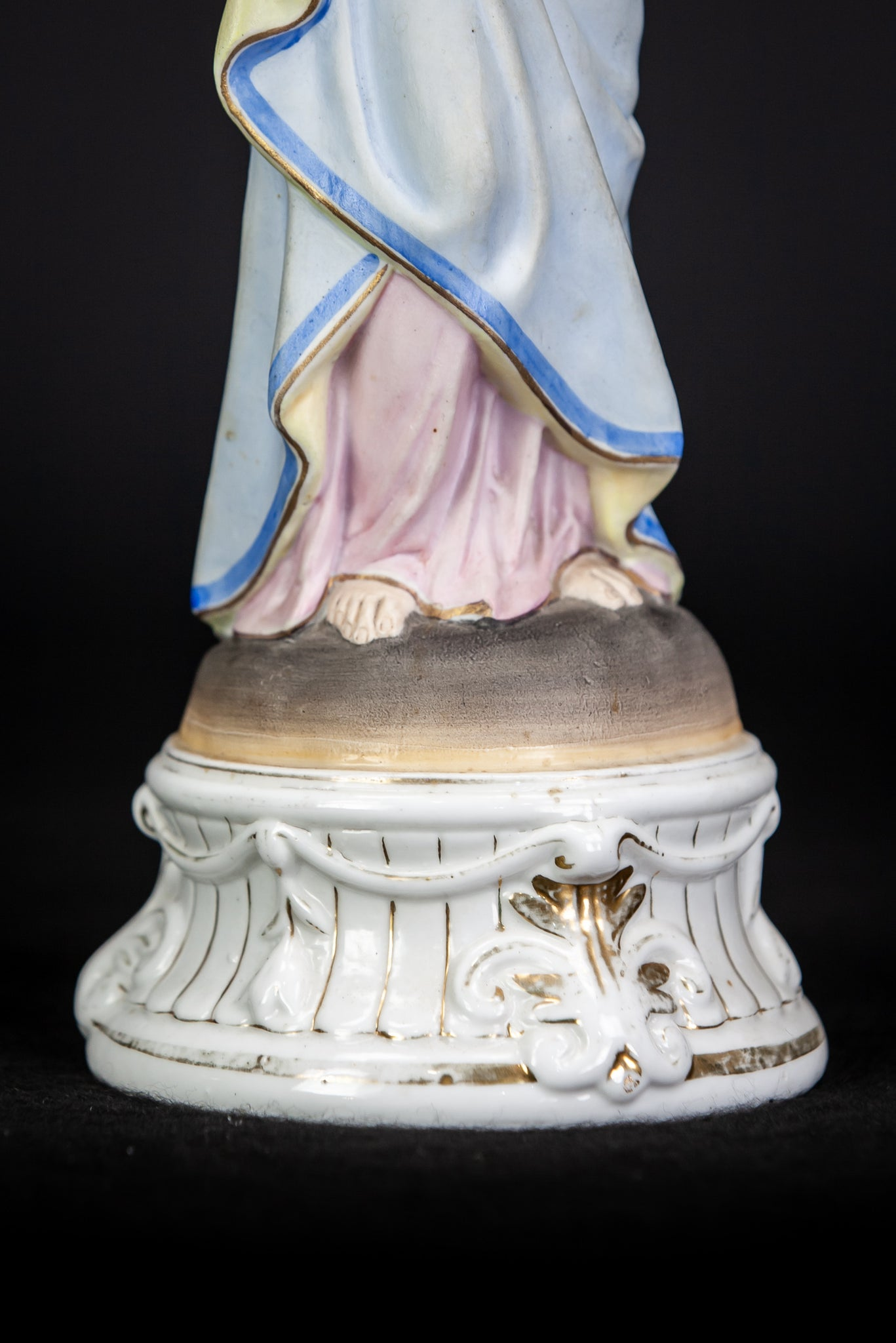 Immaculate Heart Porcelain Madonna Figure 12.6""