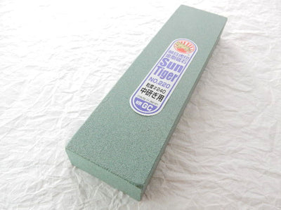 SUN TIGER,Silicone Carbide Sharpening Stone No.220/GC #240(Medium/Resharpening)
