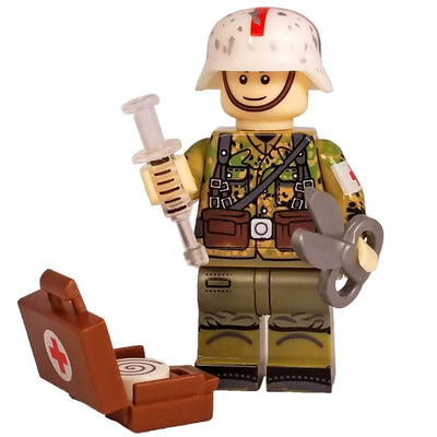 Minifig World War II German Medic - Minifigs