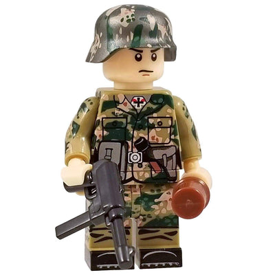 Minifig World War II German SS Dot CAMO Soldier Hans - Minifigs