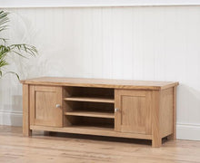 Belfast TV Unit With Oak Finish And Removable Shelf-2