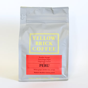 Peru: Finca Sorgo Negro [Notes: White grape, rooibos tea, syrupy]