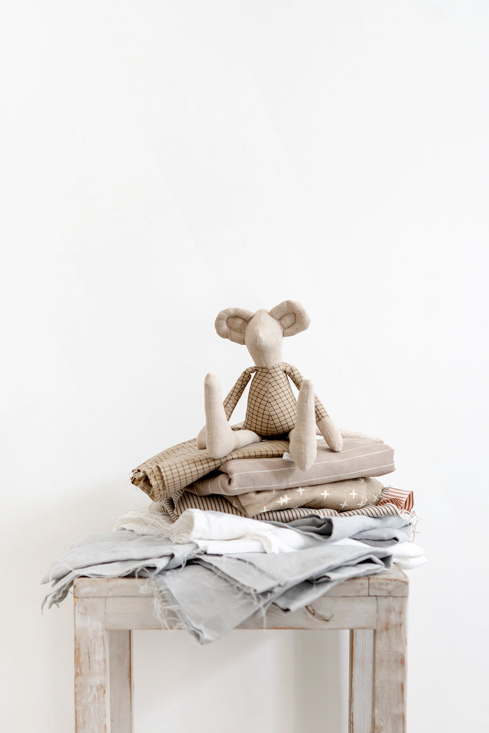 Mice doll Minimalist doll Linen mouse Natural plushy Handmade doll Mouse rag doll Stuffed cloth mouse doll Cuddly soft toy Heirloom doll