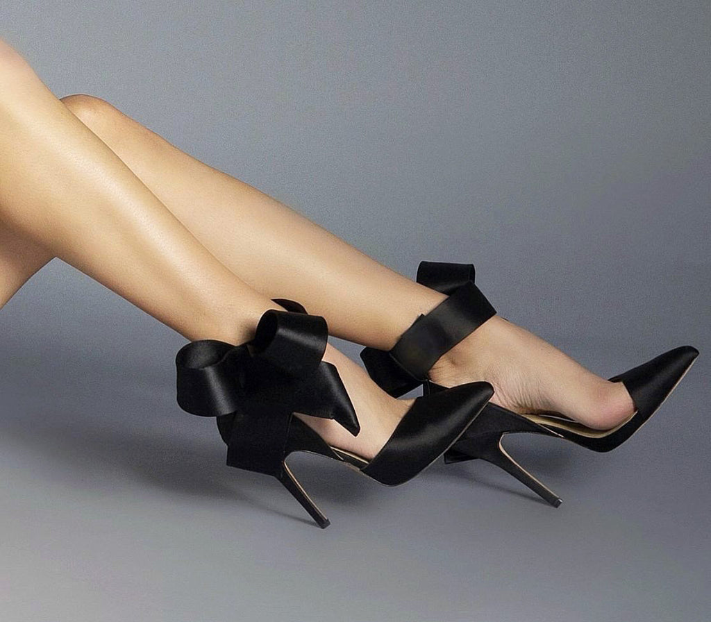 BLACK SATIN BOW PUMP