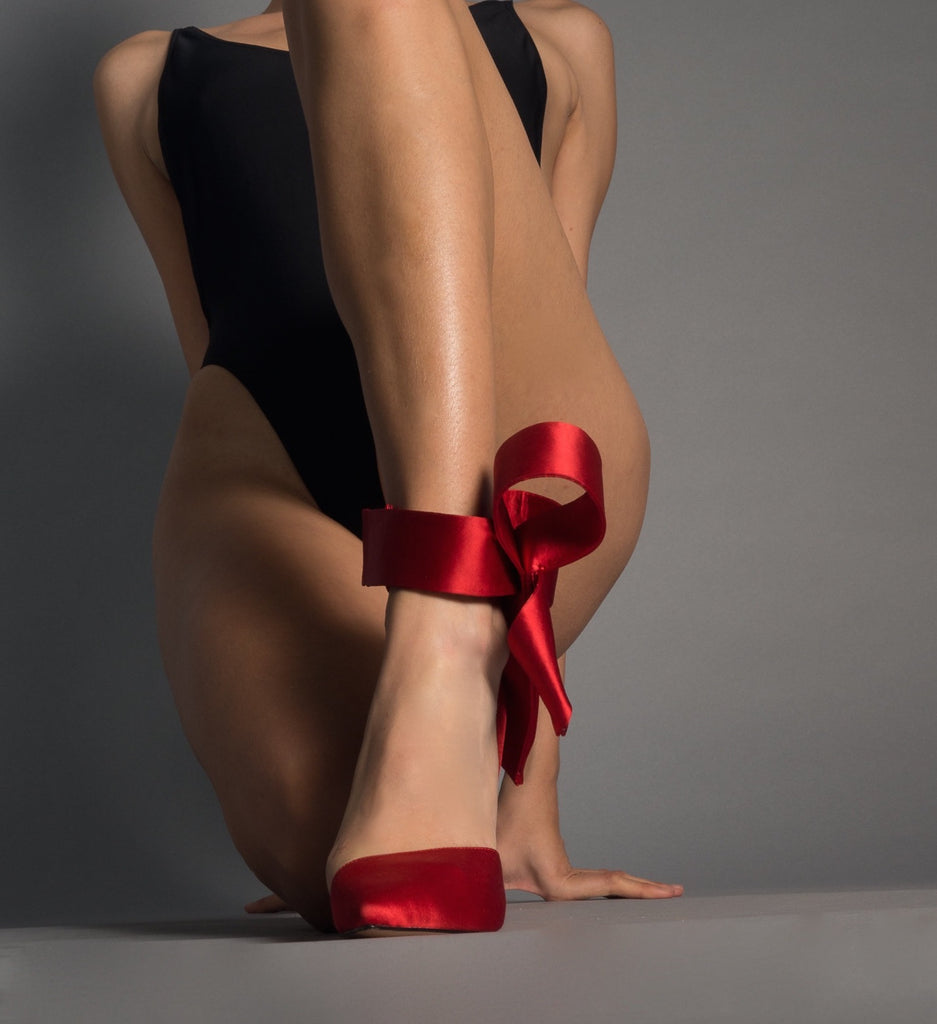 RED SATIN BOW PUMP