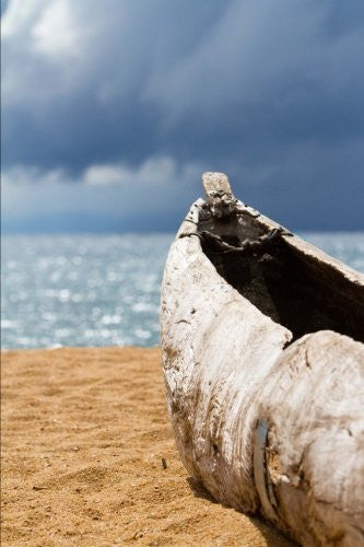 Dugout Canoe on Sandy Beach in Malawi Journal: 150 page lined notebook/diary