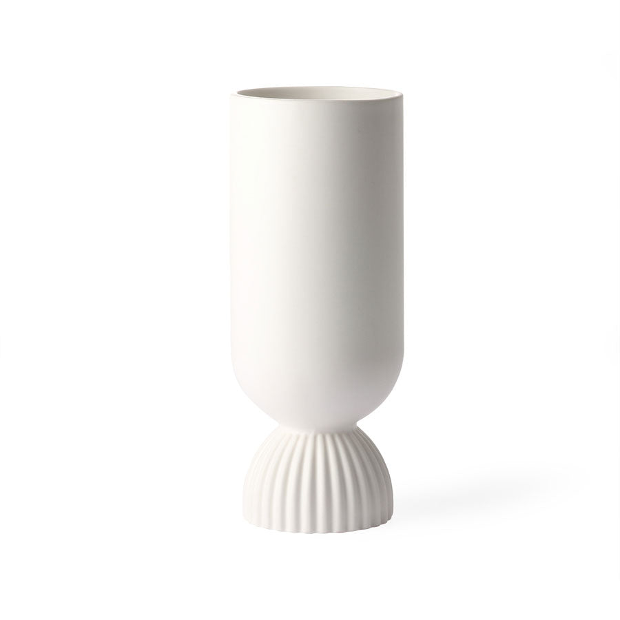 Ceramic flower vase ribbed base - white