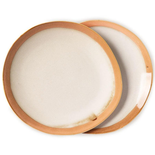 2 ceramic dinner plates in earth tones with natural finish