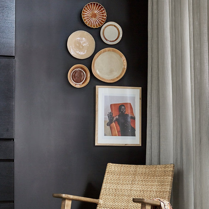 HKliving usa ceramic plates used as wall decoration