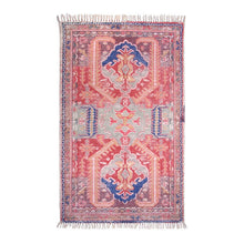 printed rug in vintage style in red/blue grey color scheme