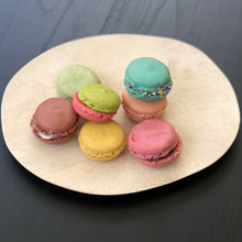 mango plate with macrons in pastel colors