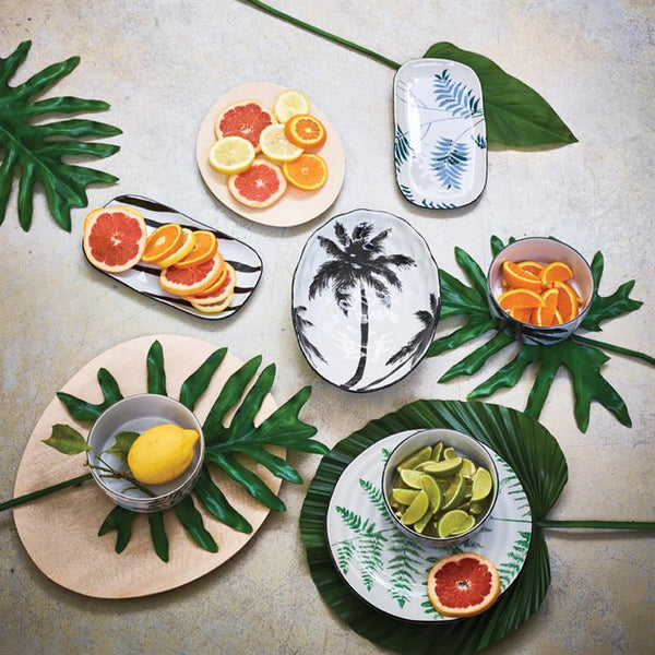 tropical style jungle table setting