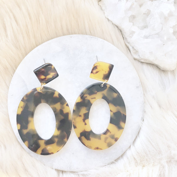 Chic Tortoise Shell Earrings