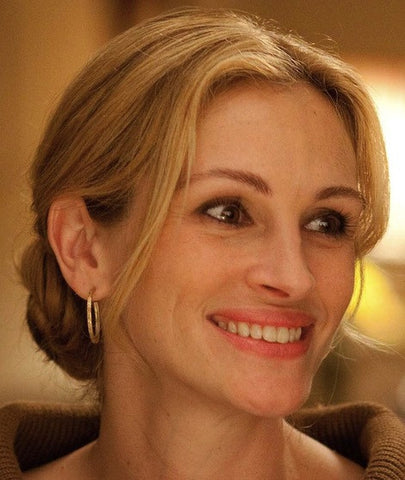julia roberts hoop earrings