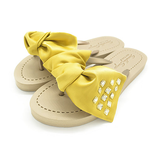 Black flat sandal, yellow ribbon With crystal stone