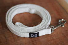 White Lace Leash