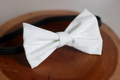 White Lace Bow Tie
