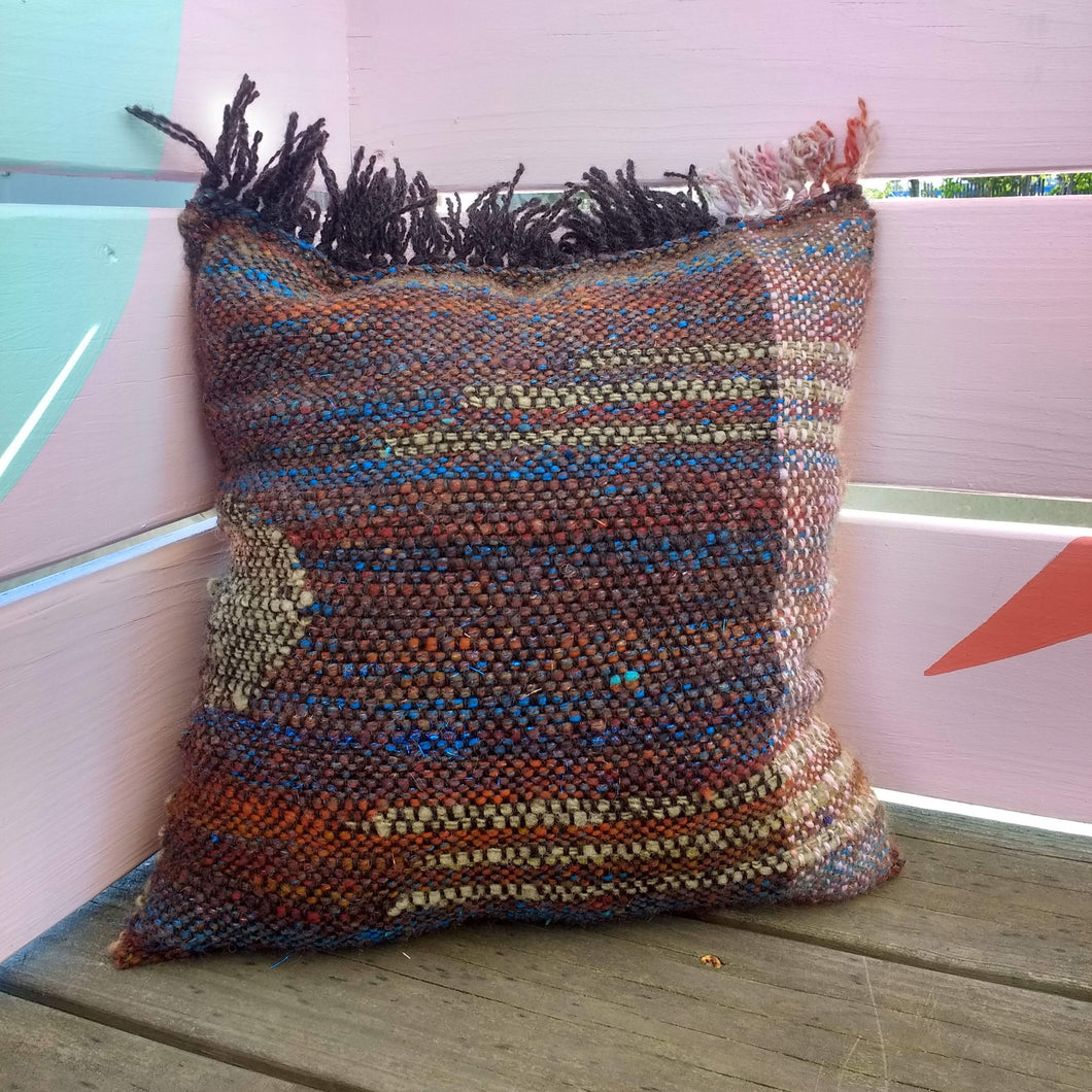 8.25.19 Clasped Weft Pillows with Casey Ryder