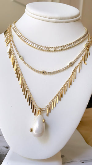 Pearl pendant fringy necklace