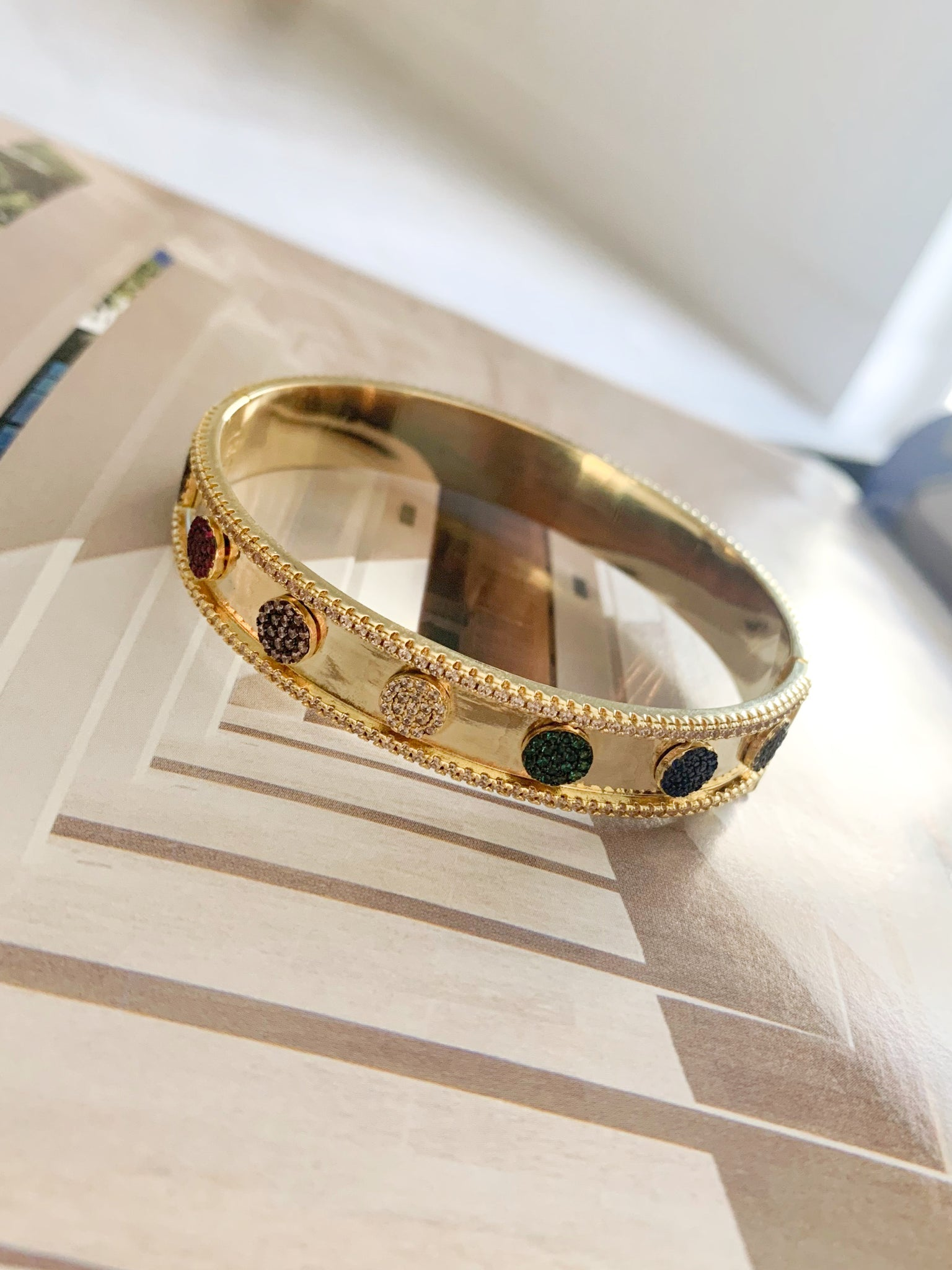 Colors dotted Bangle
