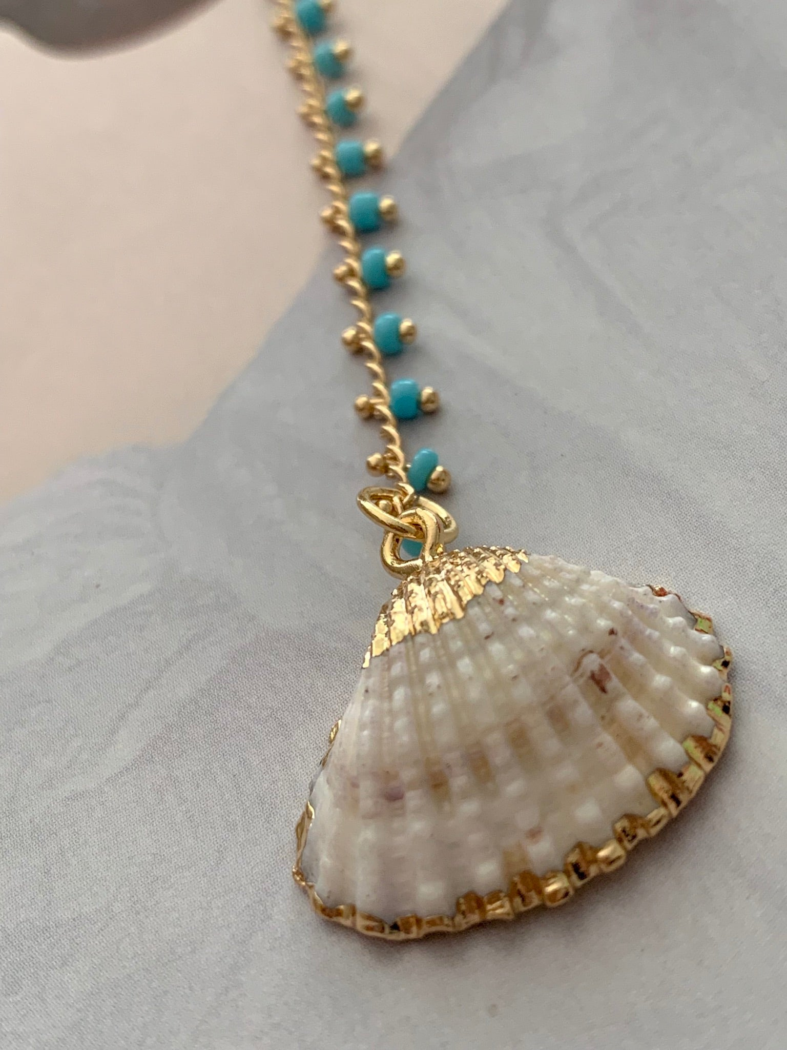 MiniBeads + Pendant Seashell Necklace
