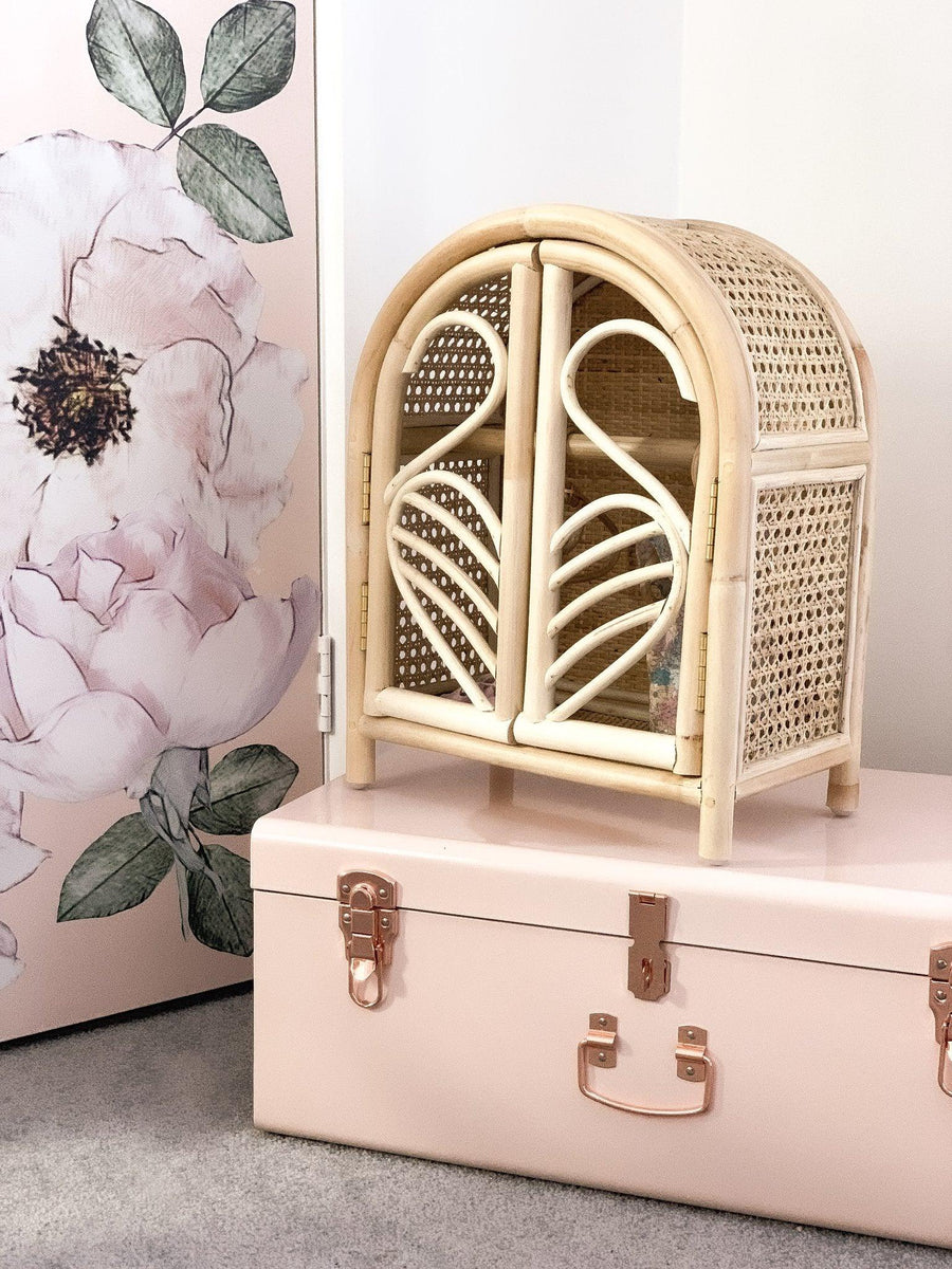Tiny Harlow Rattan Dolls Wardrobe