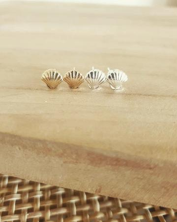 Hippy Rose Shell Studs | Gold