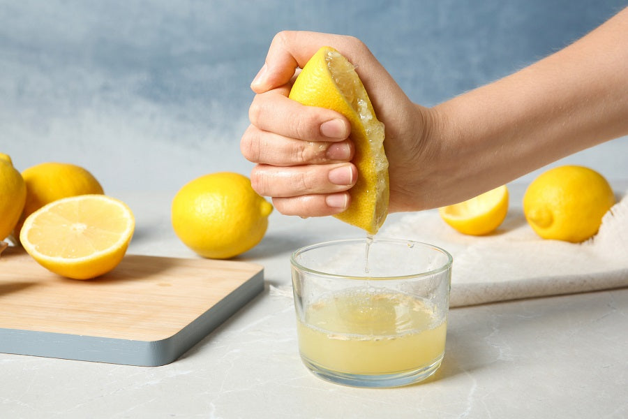 Juicing Lemons & Citrus Fruit