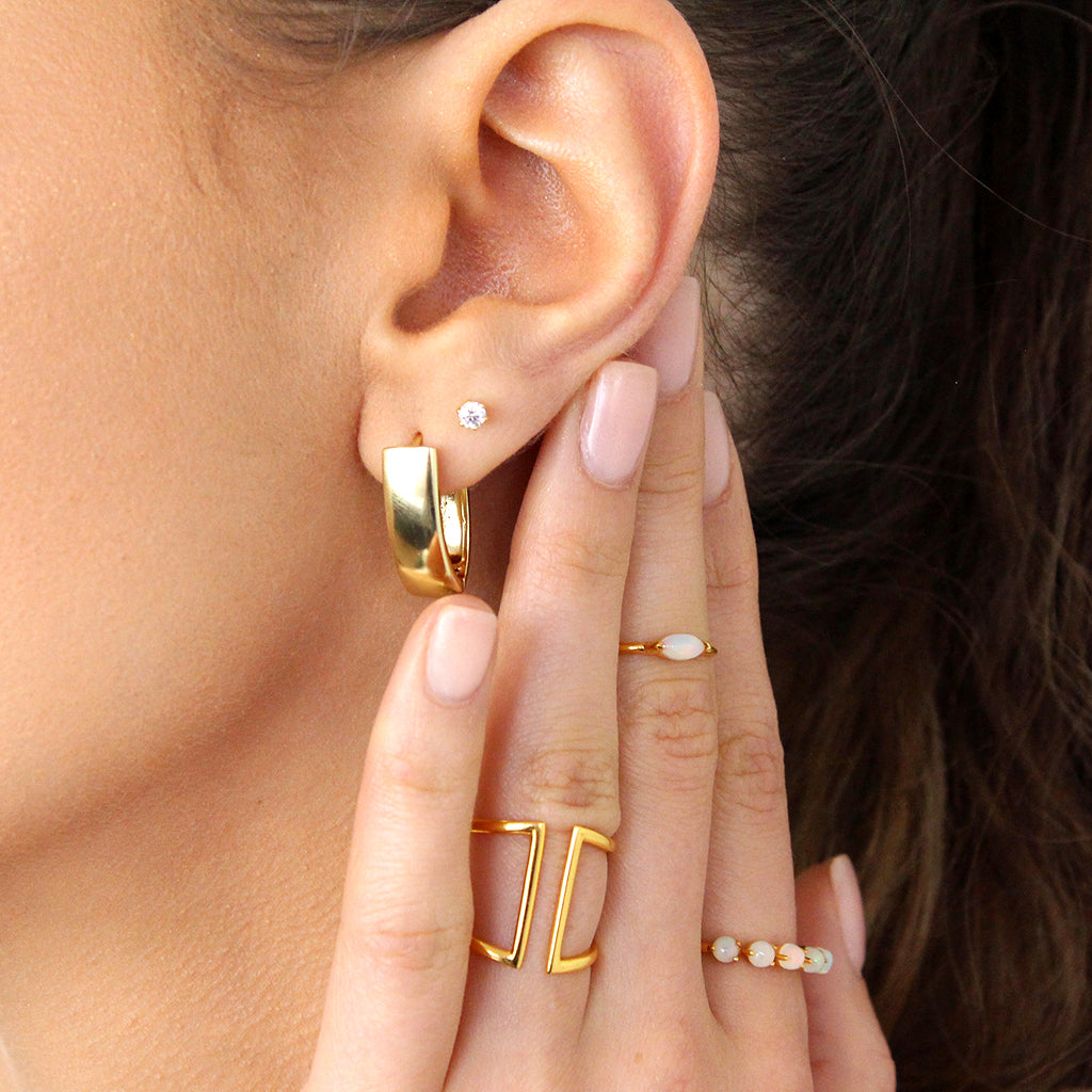 REAPI RECTANGULAR THICK LARGE GOLD EARRINGS