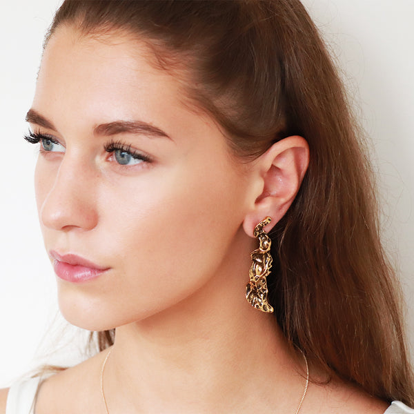 LAIS ANTIQUE GOLD DARK EARRINGS