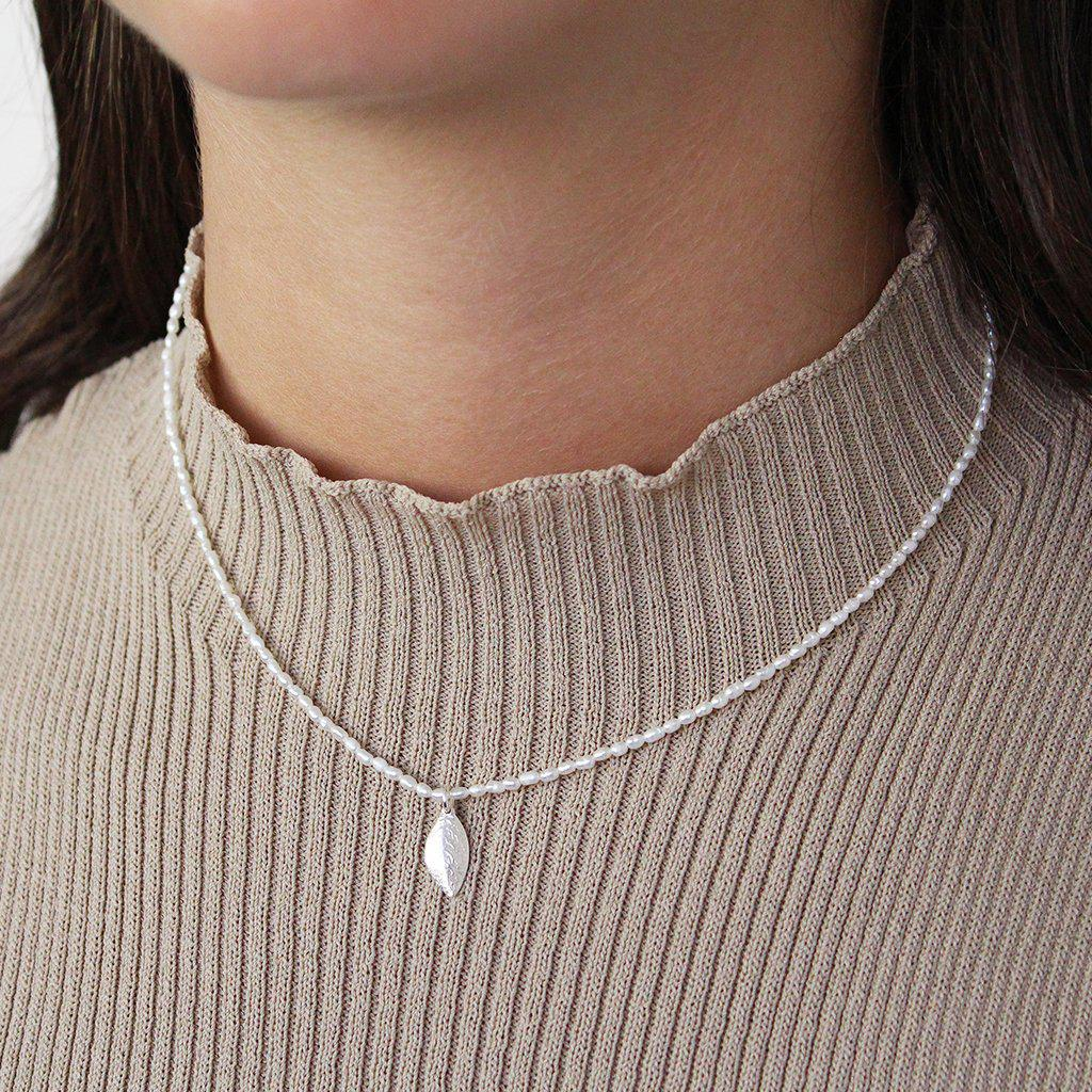 LEAF PEARL STERLING SILVER PENDANT NECKLACE