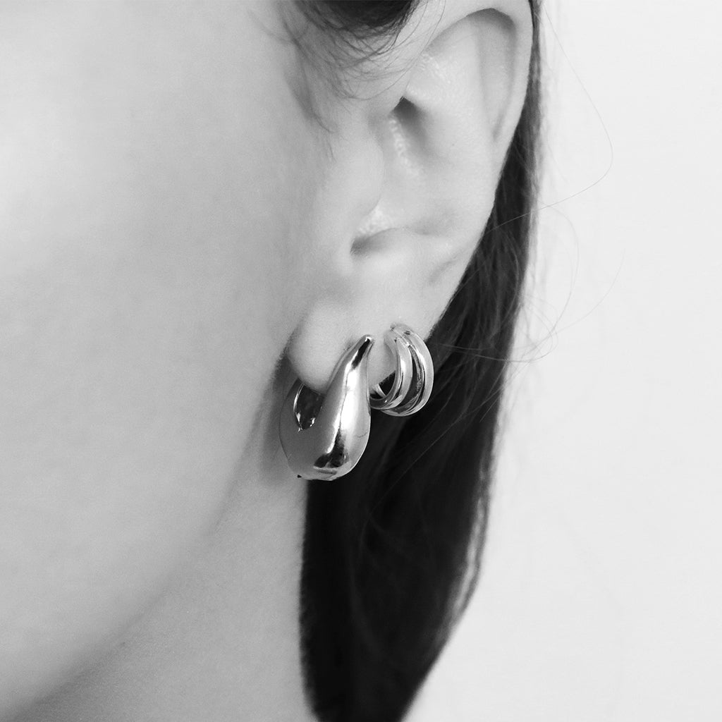 ALERIC SILVER HOOPS EARRINGS
