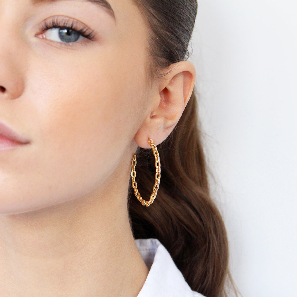 ARISSA CHAIN CRYSTAL 1 MICRON GOLD HOOP EARRINGS