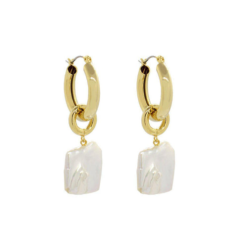 TILLE GOLD FRESHWATER PEARL EARRINGS