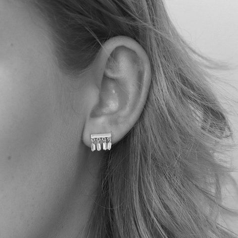 BESS CRYSTAL DROP SILVER STUDS