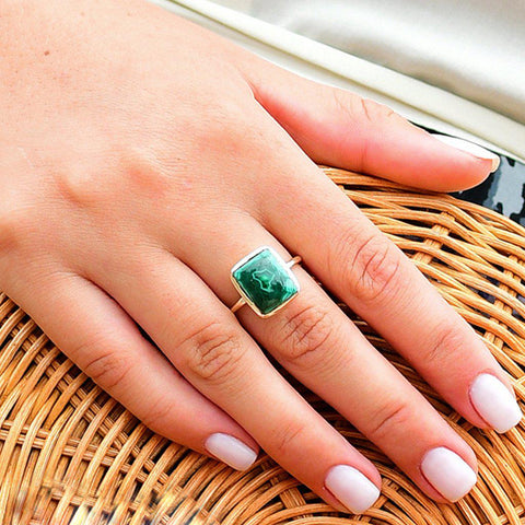 CECILIA LARGE MALACHITE SEMI PRECIOUS GOLD RING