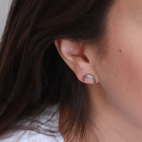 HORSESHOE CRYSTAL RHODIUM STUDS