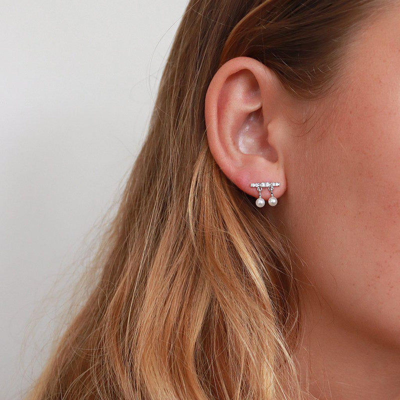 KITURA SILVER PEARL CRYSTAL STUDS