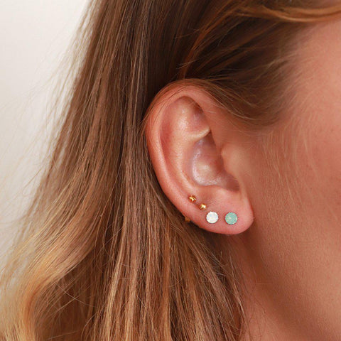 NIVA WHITE CRYSTAL STERLING SILVER STUDS