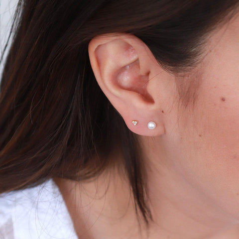 TRIANGLE MINI CRYSTAL GOLD STUDS