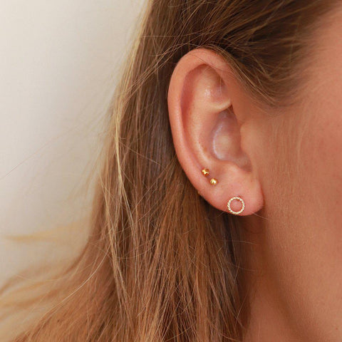 SAGIT 2 MICRON GOLD TWIST HOLLOW STUDS