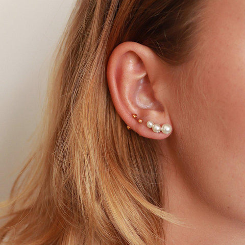 MARGOT THREE PEARLS STUDS