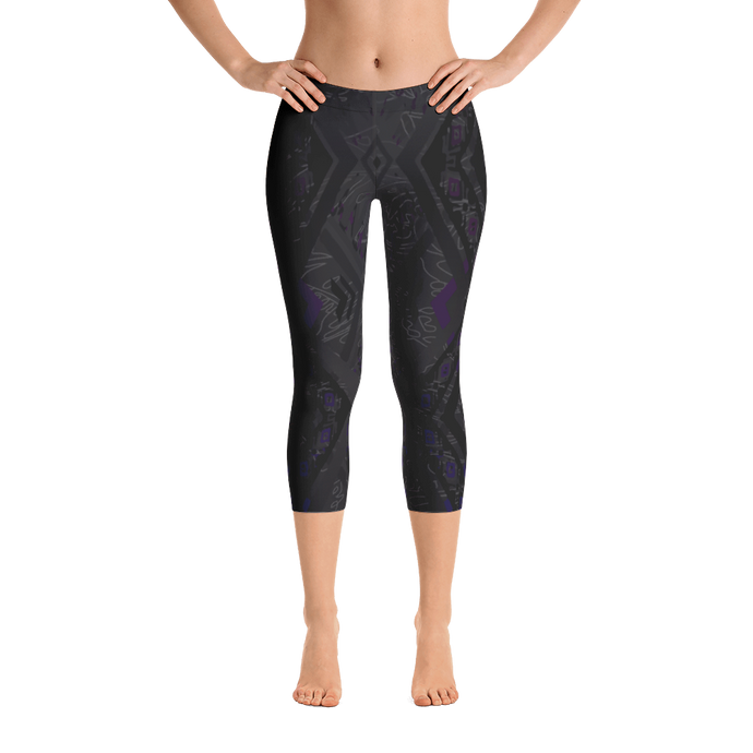Black Pearl Capri Leggings