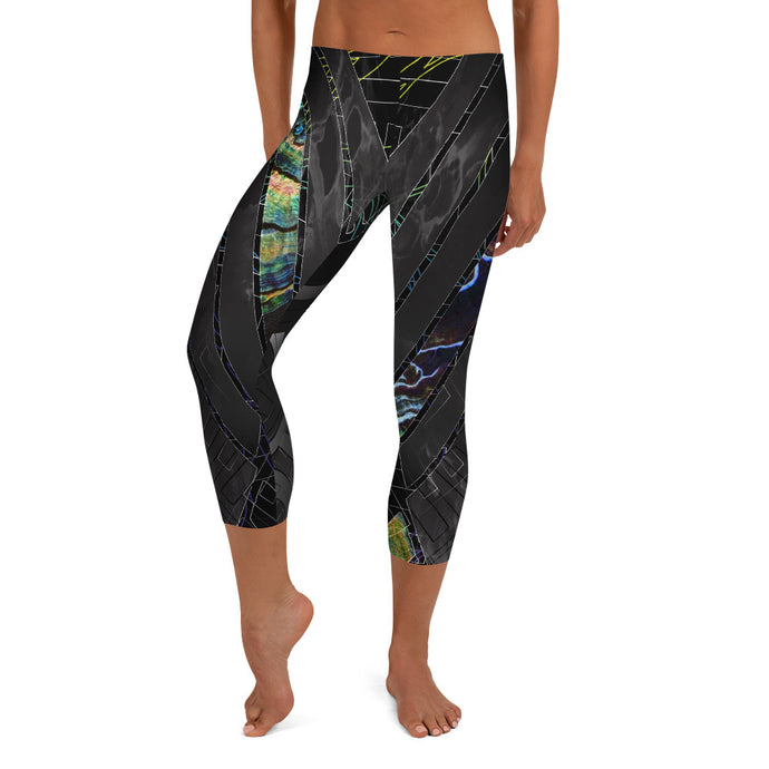 Shadow Tamer Capri Leggings